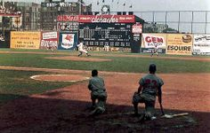 July 1957 - Johnny Podres pitching against the Braves. On deck is second-baseman Johnny Logan. White Sox Baseball, Baseball Park, Dodgers Baseball, Baseball Players, Baseball Field, Baseball Stuff, Football, New York Stadium, Baseball Painting