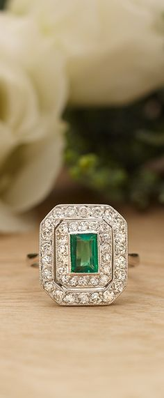 Add a touch of vintage glamour to your life this holiday season with our gorgeous collection of antique rings!