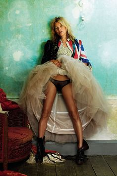 Kate Moss - Mario Testino - October 2008 issue