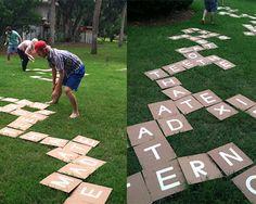 Un scrabble gigante para jugar en el jardín - Bueno, bonito y barato