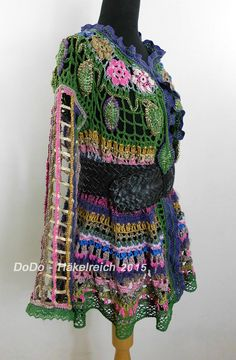 This is the most beautiful jacket i've ever seen. Crochet Hippie Jacket style Swinger jacket by dorisdARTcrochet Crochet Hippie, Freeform Crochet, Irish Crochet, Crochet Vest Pattern, Crochet Cardigan, Crochet Patterns, Slow Fashion, 70s Fashion, Colourful Outfits