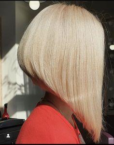 Bun Hairstyles For Long Hair, Bob Hairstyles, Inverted Bob Haircuts, Blonde Bobs, Blondies, Hair Cuts, Long Hair Styles, Hair Models, Buns