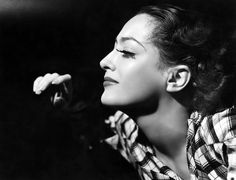 Joan Crawford @ 5MinuteBiographies.com