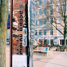 Wenn mich jemand nach dem schönsten Stadteil Hamburgs fragen würde, wäre das Karoviertel an erster Stelle. Charmante Cafés, kleine Geschäfte, interessante Menschen. Über allem liegt...
