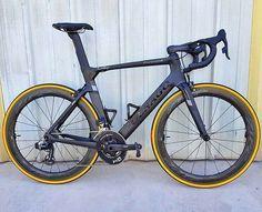 Road Cycling, Cycling Bikes, Bike Events, Bicycle Painting, Bike Frame, Cool Bicycles, Bike Design, Road Bikes, Sports