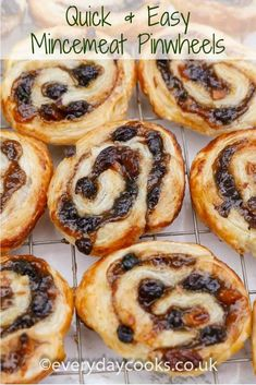 Easy and quick, Mincemeat Pinwheels are a Christmas teatime treat instead of mince pies. Easy Mincemeat Recipe, Mincemeat Cookies, Mincemeat Pie, Easy Pie Recipes, Meat Recipes, Baking Recipes, Pastry Recipes, Uk Recipes, Xmas Food