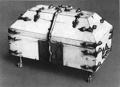 """Ivory casket, with brass straps and hinges  from the 15e century. This type of casket can be found throughout the middle ages. A very similar casket is found in the catalogue (part 2) of the exhibition """"Die Zeit der Staufer"""" and has more information on the construction. This casket dates from the second half of the 12th century and was made in Sicily The ivory (thickness 0.5 cm) is nailed to a (linden) wooden inner box. Straps were of gilded copper which ended in small bird heads. The inside…"""
