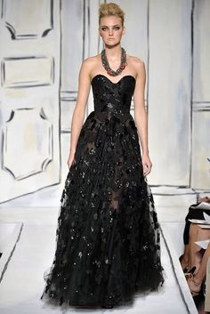 Oscar de la Renta Spring 2009 Ready-to-Wear Fashion Show - Caroline Trentini
