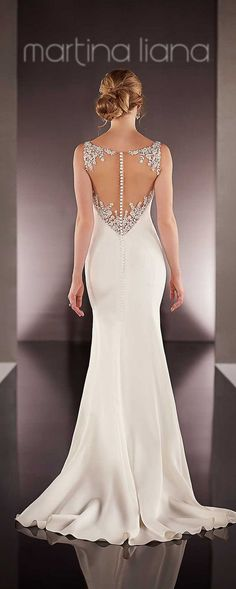 Love the back details, gorgeous!