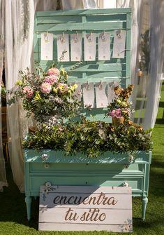 #minutas #minutasdeboda #minutasbodas #minutaseventos #menusdebodas #menudeboda #papeleriadeboda #menudelaboda #minutadelaboda #meseros #seatingplan #seattingplan #minutaboda #papeleriaparabodas #papeleriabonitadeboda #papeleriabonita #latiendadeolivia #lasinvismasbonitas Boho, Ideas Para, Floral Wreath, Wreaths, Home Decor, Wedding Stationery, Cute Stationery, Floral Crown, Decoration Home