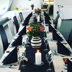 Bilderesultat for konfirmasjonsbord Table Decorations, Furniture, Home Decor, Decoration Home, Room Decor, Home Furnishings, Home Interior Design, Dinner Table Decorations, Home Decoration