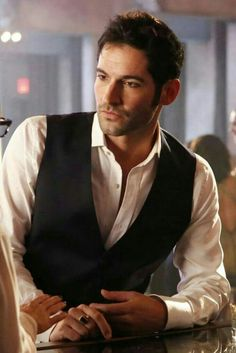 Tom Ellis I'm pretty sure being THAT good looking - not to mention drop dead sexy - might be illegal in 15 states and 25 countries! Or its could be a sin! Tricia Helfer, Ian Somerhalder, Macho Alfa, Tom Ellis Lucifer, Morning Star, Hommes Sexy, Cultura Pop, Best Tv, Preston