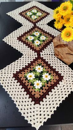 of the most inspiring long prom hairstyles 2019 to fuel your imagination page 8 Granny Square Crochet Pattern, Basic Crochet Stitches, Crochet Squares, Crochet Basics, Crochet Granny, Easy Crochet, Baby Blanket Crochet, Crochet Placemats, Crochet Table Runner