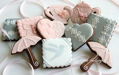My little bakery :): Pink and Silver cookie set  I want to learn how to do this