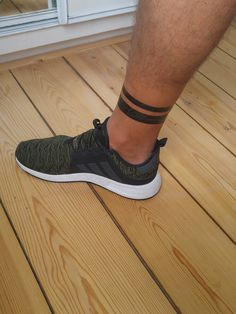 Chubster tattoo inspirations - Idée tatouage homme ⌨️tags for : - Leg Band Tattoos, Ankle Band Tattoo, Black Band Tattoo, Ankle Tattoos, Black Tattoos, Tribal Tattoos, Great Tattoos, Body Art Tattoos, Hand Tattoos