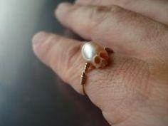 """""""Vanitas"""" - S.NAKABA Carved pearl"""
