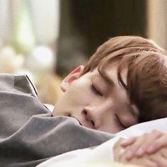 Sleepy Chen. #KimJongdae #EXOChen