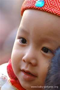 One Chinese baby girl Chinese Babies, Human Babies, Baby Faces, Children Images, Wedding Moments, Beautiful Babies, Baby Photos, Little Ones, Wedding Planner