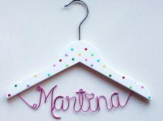 Vestidos de novia - Percha Infantil personalizada/ Hanger Kids - hecho a mano por PERCHAS-PERSONALIZADAS en DaWanda
