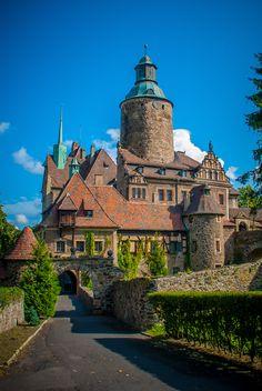 Atrakcje Polski - zamek Czocha Castles To Visit, Wedding Quote, I Want To Travel, Central Europe, Fairy Land, Croatia, Barcelona Cathedral, Scotland, Around The Worlds