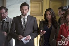 """The Flash -- """"The Sound and the Fury"""" -- Image FLA111B_0406b -- Pictured (L-R): Roger Howarth as Mason Bridge and Candice Patton as Iris West -- Photo: Diyah Pera/The CW -- © 2015 The CW Network, LLC. All rights reserved.pn"""