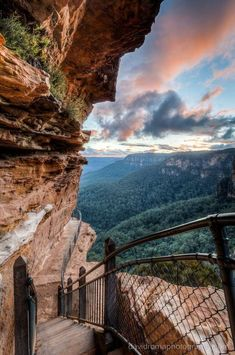 National Pass, Wentworth Falls - New South Wales, Australia - such an amazing hike! Loved the views and differing flora and fauna Cool Places To Visit, Places To Travel, Travel Destinations, Cairns, Melbourne, Blue Mountains Australia, Nature Photography, Travel Photography, Roadtrip