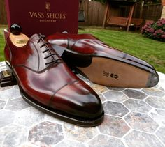 Essential Male Fashion Tips For Looking Good Anywhere – Men Shoes Site Ascot Shoes, Men's Shoes, Shoe Boots, Dress Shoes, Homecoming Outfits, Gentleman Shoes, Groom Shoes, Basket Mode, Dress With Sneakers