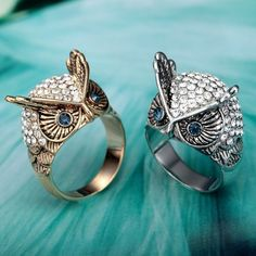 Shop for Czech Rhinestones Owl Ring, OKAJewelry Czech Rhinestones Owl Ring features white Pave Dome Owl Rings of Vintage Silver polished finish. Vintage Diamond Rings, Wedding Rings Vintage, Vintage Rings, Wedding Jewelry, Owl Jewelry, Pandora Jewelry, Fine Jewelry, Jewelry Rings, Bracelets