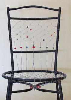Elianor Atrakji   Chair From Chicken Wire