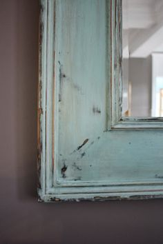 How to distress a mirror using Chalk Paint.  This is a simple tutorial w/ plenty of photos from www.theyellowcapecod.com