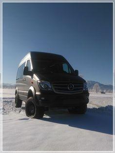 Willkommen bei Urban Reisemobile Ausbau von Mercedes Sprinter Mercedes Sprinter, Mercedes 4x4, Sprinter Van, Vw Crafter, Campervan Interior, Vw T5, Camping, Transporter, Camper Van