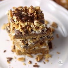 Skippy Peanut Butter Magic Cookie Bars | Renee's Kitchen Adventures  A peanut butter lover's dream! #ad #PBandG