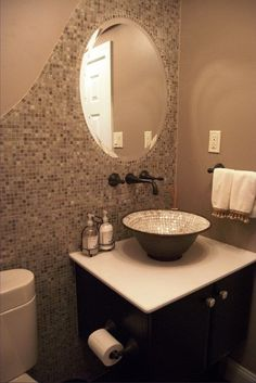 Even if the Half baths may seem small. The reality is that you can easily save space with such a bath, and you will also enjoy the experience quite a bit. There's a lot of value to be had here. And with these tips you can easily get some very good results, so check this out! Make sure that you use blank walls. There are lots of wall mounted options that you can check out