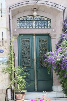 Güzelim kapılar..  Foça, İzmir, Türkiye