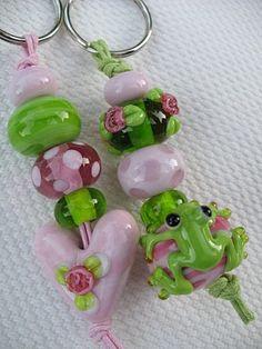 from Grittli.blogspot.com Beaded Crafts, Jewelry Crafts, Crystal Beads, Glass Beads, Pandora, Beading Tutorials, Lampwork Beads, Wooden Beads, Handmade Bracelets