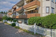 Sonnige Eigentumswohnung mit Balkon in Quickborn, 2 Zi. 62 qm, von Hausmann Immobilien Beratung und Makler in Norderstedt + Hamburg
