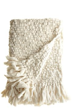 Comfy and Cozy Deco Bobo, Chunky Knit Throw Blanket, White Throw Blanket, Knitted Throws, Home And Deco, Home Accessories, Home Goods, Weaving, Throw Pillows