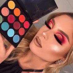 Does Makeup Make You Look Younger? Makeup Eye Looks, Beautiful Eye Makeup, Cute Makeup, Glam Makeup, Pretty Makeup, Makeup Inspo, Eyeshadow Makeup, Makeup Inspiration, Makeup Ideas