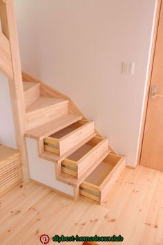 The stairs in the storage house: D Staircase Storage, Stair Storage, Staircase Design, Space Saving Furniture, Diy Furniture, Flooring For Stairs, Home Organisation, Home Living Room, Home Interior Design