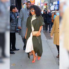 #KerryOnGMA 04.11.18 Sweater|skirt @Fendi Coat @johannaortizofficial Shoes @GiuseppeZanotti Bag @louboutinworld Watch @movado Sunglasses…