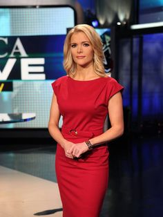 """According to recent reports, Canada's Sun New Network, commonly referred to as """"Fox News North"""" shut down after failing to find a buyer for the network. The network was founded. Fox News Anchors, Female News Anchors, Beautiful People, Beautiful Women, Teacher Wardrobe, Megyn Kelly, Scorpio Woman, Work Fashion, Women's Fashion"""