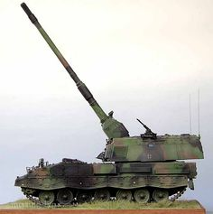 PzH2000 1/35 Scale Model