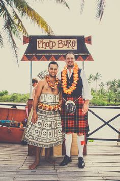 This couple put a spin on the traditional photo booth for their Fijian destination wedding! // Photo courtesy of Kama Catch Me.