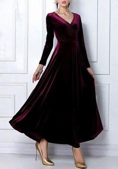 Plain Pleated Pleuche V-neck Maxi Dress