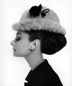 This exact Audrey Hepburn picture framed for bedroom :)