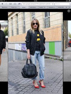 Marie Dahlgren fashion show choreographer wearing Berschka shoes,. Fashion Week Paris, Fashion Show, Fashion Trends, Street Fashion, Boyfriend Jeans, Mom Jeans, 80s Trends, Denim Bomber Jacket, Bomber Jackets