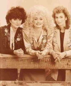 Dolly Parton with Linda Ronstadt & Emmylou Harris ... Trio I