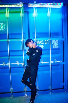 Lee Byeong Seon wearing Stoned & Co