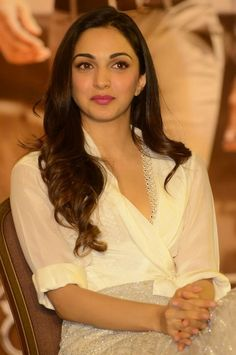 Bollywood Actress Hot Photos, Indian Bollywood Actress, Bollywood Celebrities, Indian Actresses, Kaira Advani, Kiara Advani Hot, Indian Actress Images, Ppr, Most Beautiful Indian Actress