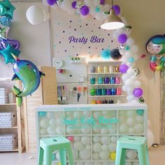Our party balloon bar interior with creative reception desk made of balloons Party Supply Store, Party Stores, Party Shop, Balloon Shop, Party Organization, Balloon Decorations Party, Bar Interior, Store Displays, Shop Interiors